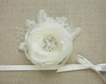 Ivory Bridal hair flower, Wedding flower, Flower hair clip, Bridal headpiece, floral headpiece, Bridal hair accessories, wedding head piece