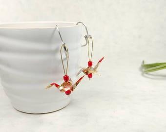Boucles d'oreilles rouge | Grue japonaise | bijou or et beige | Origami par Ökibo