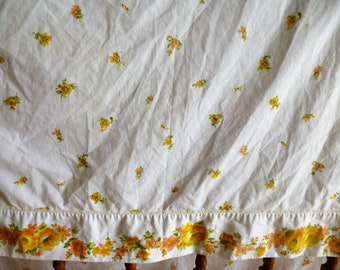 """Vintage Twin FLat Sheet 66""""x104"""" Yellow and Orange Floral"""