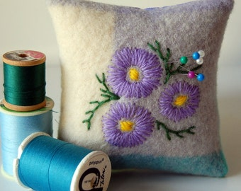 Square Embroidered Pin Cushion Australian Native Flowers Swan River Daisy