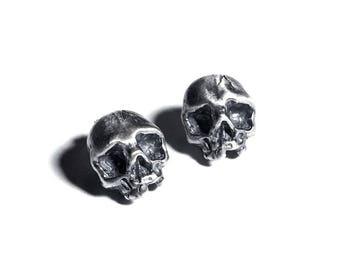 Cataphile earrings in oxidized sterling silver (skull)