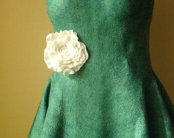 White Silky  Brooch/ Pin.  Rose