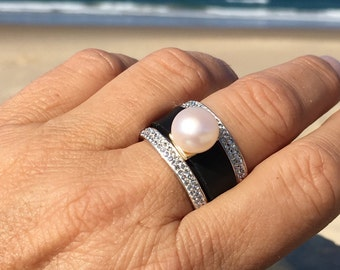 The Neo Pearl Ring Set