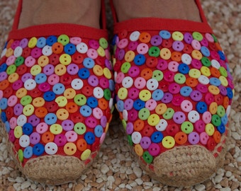 Red  Espadrilles Embroidered with buttons Size 36 / US Size 5
