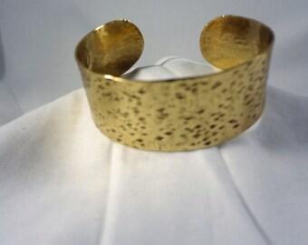 Hammered Brass Cuff Bracelet (CCB248)