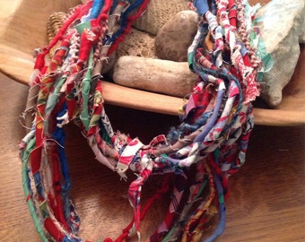 Necklace yarn handspun textile red blue green white