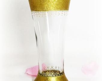 GOLDEN Centerpiece Gatsby Wedding Centerpiece Golden Disney Wedding Vase Centerpiece Gold Wedding Centerpiece Golden Vase Centerpiece