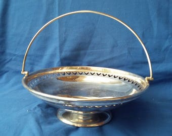 Vintage EPNS Silver Plate Serving Sweet Cake Plate and Handle.