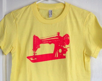 Vintage sewing machine - screenprinted shirt - one of a kind - tee for a crafter or sewer - women's medium