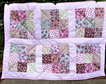 Floral quilt, baby girl pink quilt