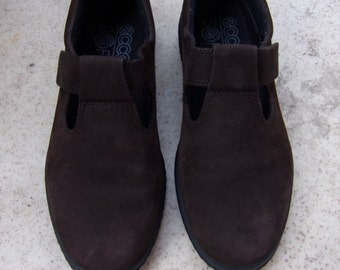 Vintage Womens Shoes/Dark Brown Suede Shoes/ ECCO Soft Shoes/Spring Autumn  Shoes