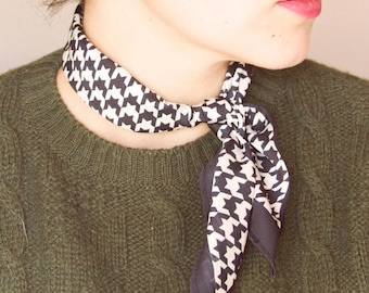 Black and white scarf//hen foot//scarf//silk scarf for summer or spring//square silk//Houndstooth