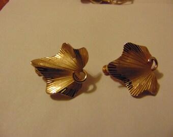 Vintage Gold Tone Coro Clip On Earrings