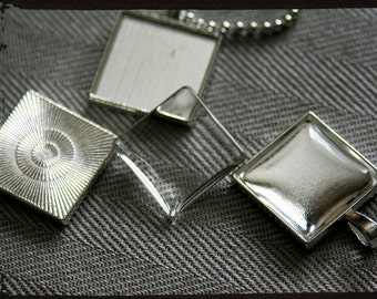 DIY pendant kits,  Lot of 5, square 21mm,  silver plated, great for photo jewelry. Includes base, glass and chain.