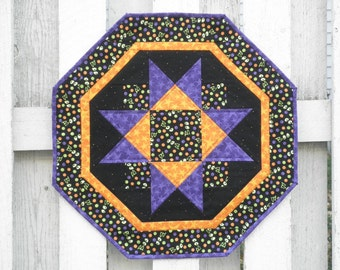 Quilted Star Table Topper (HTTK) Boo