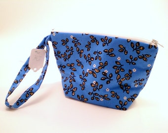 Zippered Pouch with Flat Bottom in Blue Cotton