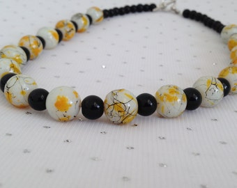 Yellow Necklace, Womens Jewelry, Summer Jewelry, Jewelry Gift for Her, Yellow and Black Jewelry Set, Yellow Beaded Earrings, Glass Jewelry