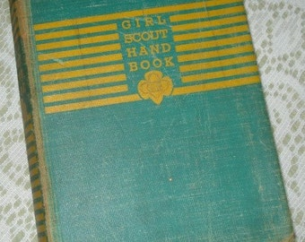 Vintage Girl Scout Hand Book, Handbook, Scouting Reference Guide, Third Impression, Green, 1942  (161-10)
