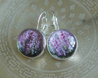 Hand painted earrings with heather