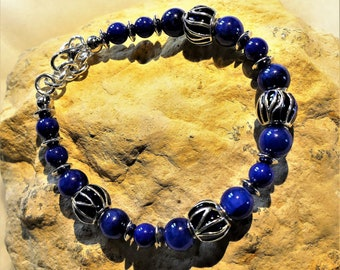 Bracelet dark blue and silver beads and jade beads