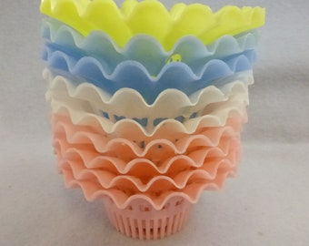 9  Vintage Mid Century Plastic Nut/Mint  Cups