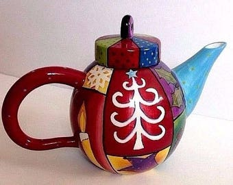 FUNKY ARTSY DECOR Ceramic Christmas Holiday Teapot by Studio Designworks! Great Gift Too Like New!