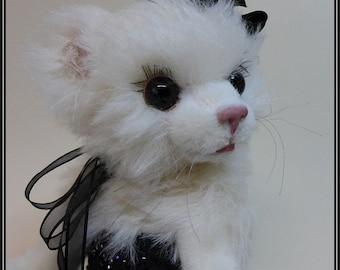 Diva Cat or Dog Doll   45 cm high ebook with pattern