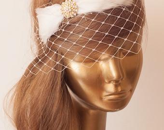 Ivory Feather Birdcage Veil, Vintage Style Birdcage Veil. Bridal FASCINATOR.