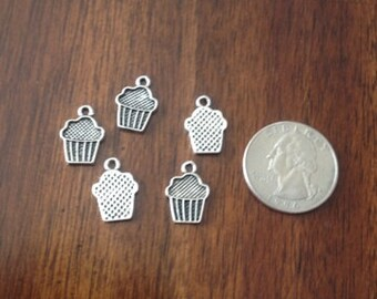 Lot of 5 Muffin Charms