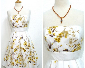1950s cotton dress Strapless White Yellow Floral Vintage 1950s Summer dress XS /S