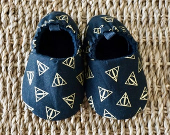 Harry Potter Baby Shoes, Deathly Hallows Shoes, Soft Sole Baby Shoes, Baby gift, Baby Shower Gift, Baby Moccs, Baby Slippers, Toddler Shoes
