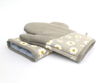 Set of 2 Gray Linen Oven Gloves - Chamomile Blossoms Kitchen Mitten - Foodie Gift - Mother's Day Cooking Set- Chef's Rustic Decoration Mitts