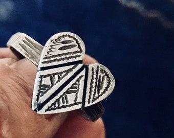 Berber old SILVER HEART Ring from S Morocco, US size 10 1/4 (inner diam 2 cm)