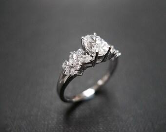 Diamond Engagement Ring / Engagement Ring / Marquise Engagement Ring / Wedding Ring / 0.80ct Oval Diamond Engagement Ring in 14K White Gold