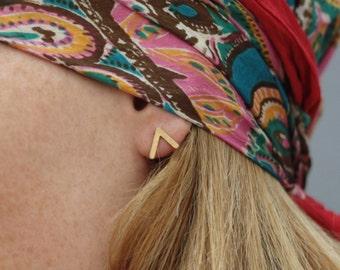 Gold V Earrings, Gold Post Earrings, Minimalist Earrings, Geometric Earrings, Modern Earrings, Tiny Geometric Studs, V Studs, V Posts