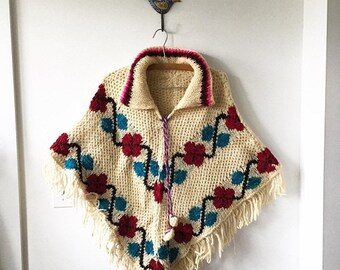 20% OFF SALE Vintage 70s Mexican Wool Poncho , Chunky Knit Poncho , BOHO Festival Cape