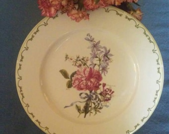 "Queens 12"" China plate with rose pattern/Vintage"