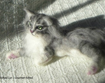 Needle Felted Cat / Custom Pet Portrait Gourmet Felted / Siberian Silver Tabby