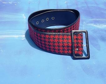 80s Belt, Black and Red Belt, Houndstooth Belt, Wide Belt, Vintage Belt, Vegan Belt, Grommets, 80s Costume, Belt Size L, Belt Size XL