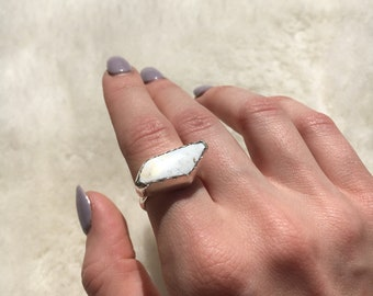 White buffalo sterling silver ring size 8 1/4