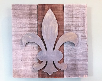 Fleur-de-lis Reclaimed Wood Wall Sign