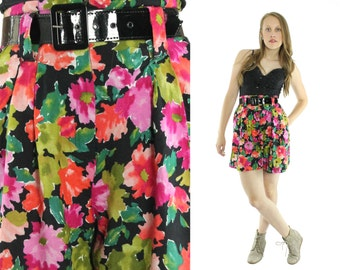 Vintage 80s 90s High Waisted Shorts Pleated Shorts Floral Rayon Shorts Womens Spring Summer Fashion 1980s 1990s Medium M