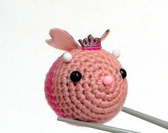 Amigurumi - Queen ball bee MochiQtie -- mochi size crochet amigurumi mini stuff toy doll