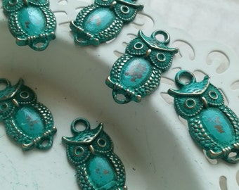 Handpainted Verdigris Patina Owl Connector Metal Charms (18004) - 26x13mm