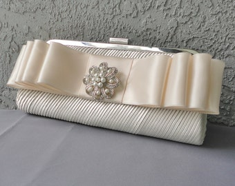 Wedding Formal Ivory And Antique White Evening Clutch With Removable Rhinestone Brooch