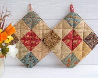Patchwork potholders Brown potholder Country potholders Country home decor hot pads Hostess gifts Moving gift Gift for mom Country kitchen