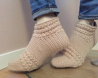 Winterstar short socks crochet pattern