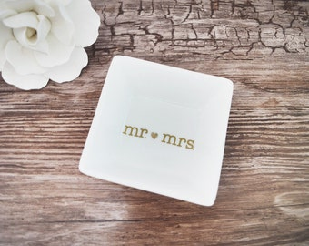 Mr and mrs ring dish / engagement gift