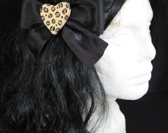 Large Black Leopard Heart Hairbow