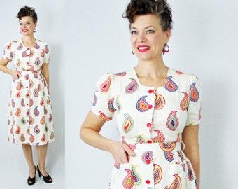"Day Dress / Wiggle Dress / Paisley Dress / Button Front Dress / Pockets / 1940s Dress / 40s Dress / 1970s Dress / 70s Dress / Waist 26"""